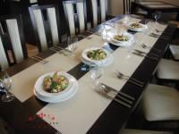 Stół-degustacja-z-logo
